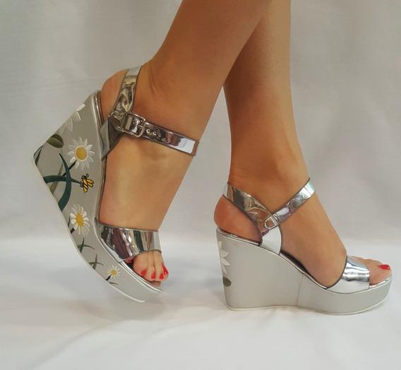Sandalias Importadas Plateadas Bordadas