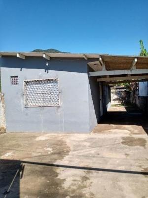 Casa Barata Em Peruíbe Com 2 Quartos.