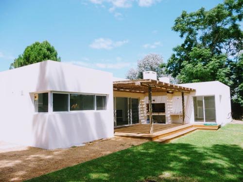 Hermosa Casa En La Barra A Estrenar.- Ref: 1020