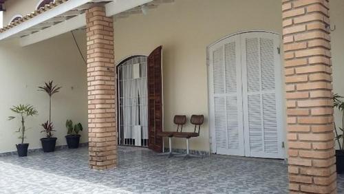 Casa Com Varanda E Quintal No Jamaica Em Itanhaém - 2597 Npc