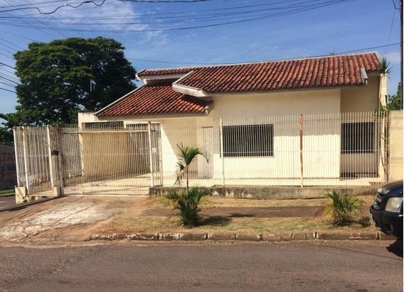 Casa Espaçosa Com Garagem Para Até 05 Carros Em Umuarama-pr