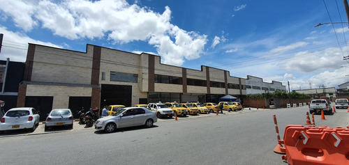 Imagen 1 de 8 de Oficinas En Zona Industrial De Montevideo - Bogotá