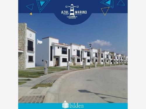 Casa Sola En Venta Fracc Azul Marino