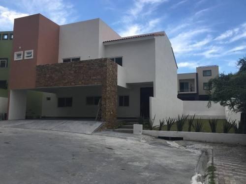 Preciosa Residencia Nueva En Venta En Privada Con Hermosas Vistas Panorámicas