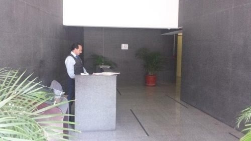 Rento Ofna 220 Mtrs Lomas Chapult Centro Comercia/ Oficinas
