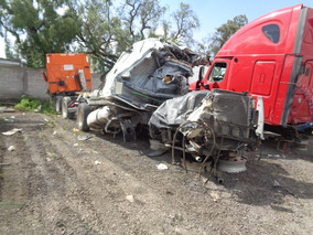 Tractocamion Volvo Vnl 2014 Accidentado