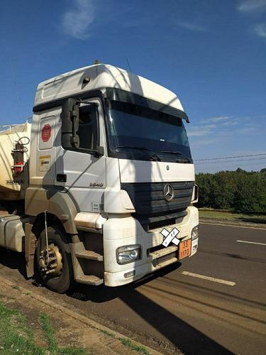 Caminhão Mercedes Axor 2540
