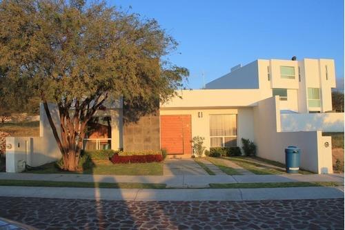 Casa En Venta De Una Planta En Residencial El Encino