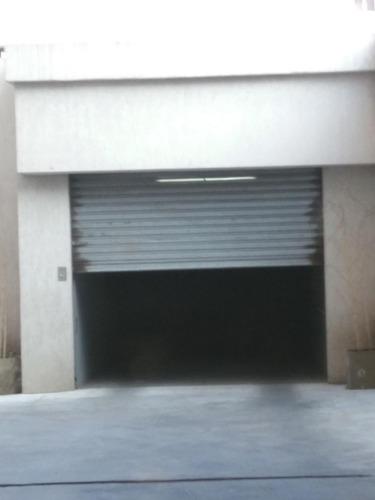 Imagen 1 de 7 de Moron Centro Cochera Con Elevador En Edificio Nuevo