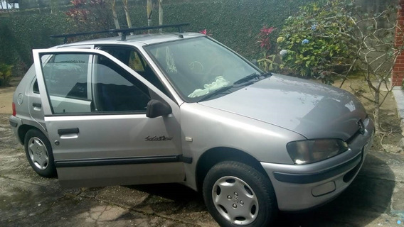 Peugeot 106. Motor 1.0, Modelo 2000, Prata, 5 Portas