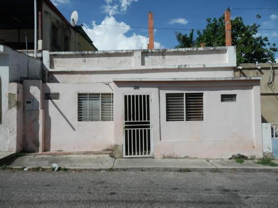 Casas En Venta En El Centro Barquisimeto, Lara Rahco