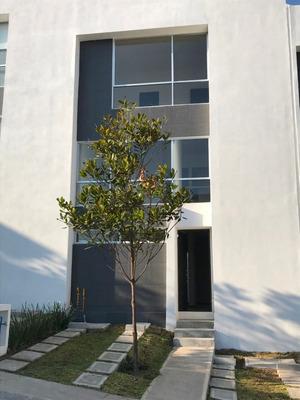 Se Renta Preciosa Casa Nueva En Zona Esmeralda