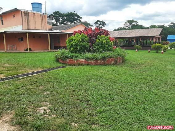 Casa En Venta Sabana Del Medio Tocuyito Cod 19-13522ar