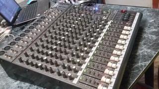 Consola Mixer Phonic Mu2442x 12 Canales