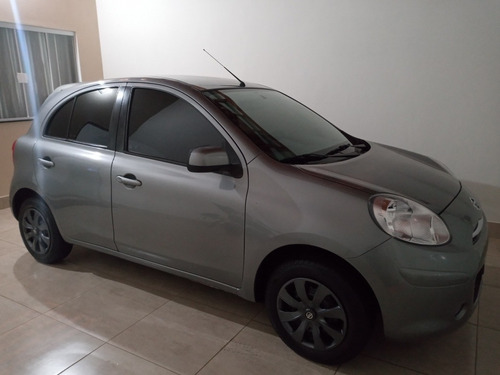 Nissan March 2014 1.6 S 5p