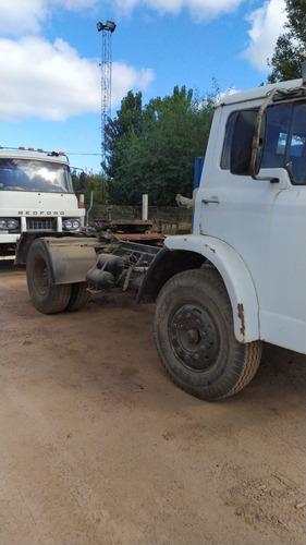Ford 1414 Tractor Sencillo Y Bedford Doble Paragolpe