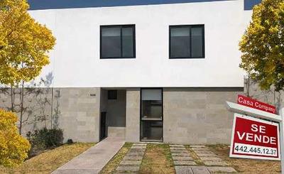 Se Vende Preciosa Casa En El Refugio, Privada, Alberca, 3 Recamaras, Sala Tv..