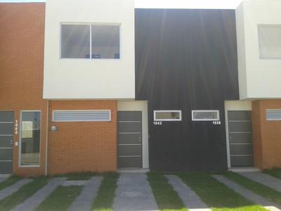 Casa 2 Recamaras, Semi-nueva, Resid Altaluz, Frente A Jardin