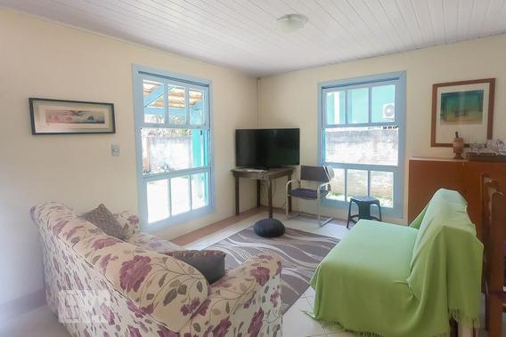 Casa Mobiliada Com 3 Dormitórios E 3 Garagens - Id: 892946855 - 246855