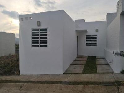 Casa Sola En Renta La Luz