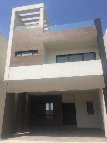 Casa Venta En Fracc. Cumbres San Agustín