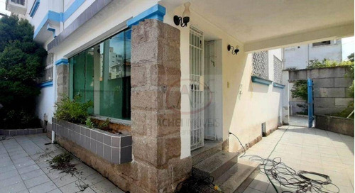 Imagem 1 de 24 de Casa Tipo Sobrado À Venda Com 3 Dormitórios Em Excelente Localização, 175 M² Por R$ 900.000 - Vila Belmiro - Santos/sp - Ca1970