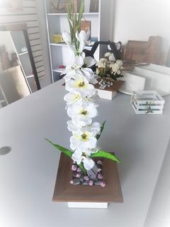 Hermoso Arreglo Floral Alto Blanco