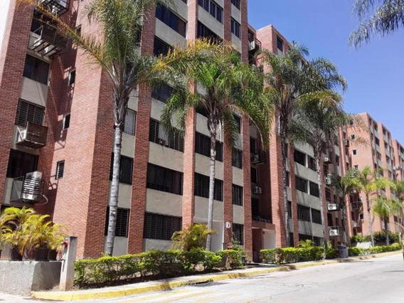 Apartamento En Venta Mls # 20-11047