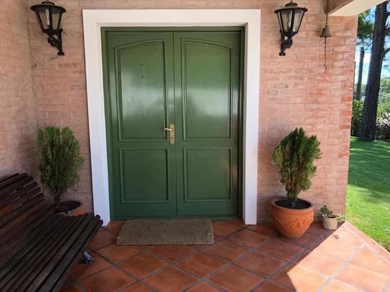 Casa De Dos Dormitorios Dos Baños Uno En Suite Con Jacuzzi
