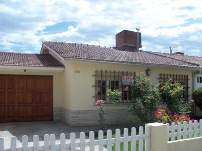 Casa 6 Personas 3 Dormitorios-cochera -fondo- Parril