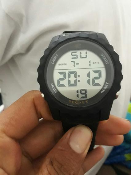 Relógio Tecnet Preto Com Tampa E Feicho Dourada Otimo Estado