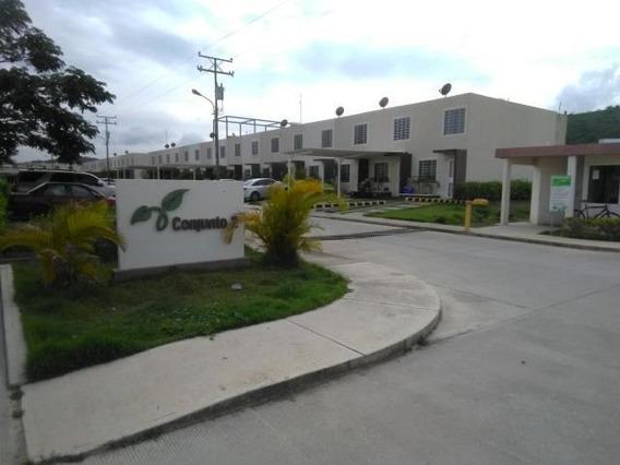 Casas En Venta En La Ensenada Yaritagua 20-2203