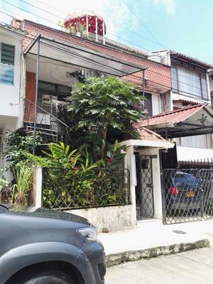 Apartamento En Arriendo Los Alcazares 736-92