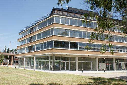 Oficina En Alquiler 600 M2 Pque.  Industrial De Buen Ayre .