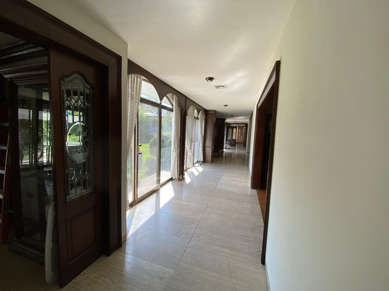 Hermosa Casa Residencial En La Colonia Republica