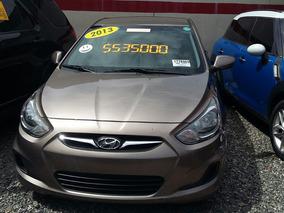 Hyundai Accent Americano. 2013