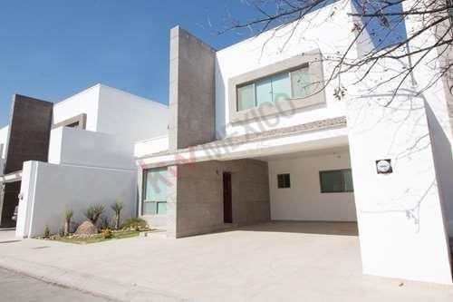 Casa Nueva En Venta, Real Del Nogalar (modelo Western)