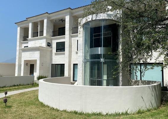 Casa Privada Roberto Garza Sada