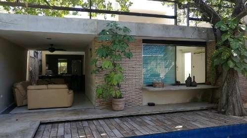 Renta De Habitaciones Con Piscina Y Áreas Comunes En Itzimna