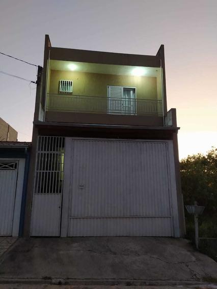 Casa C/ 2 Dormitórios Sendo 1 Suíte + Salão Comercial