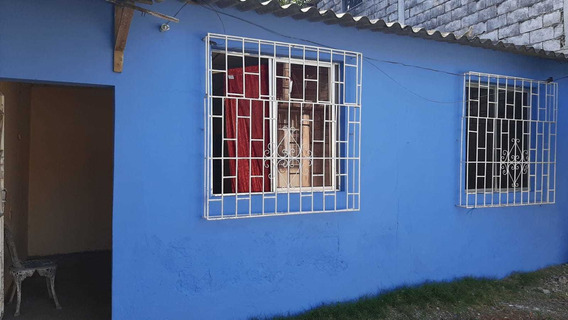 Casa 2 Habitaciones 1 Baño Sala Comedor Garaje