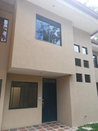 Alquiler De Apartamento Residencial Privado