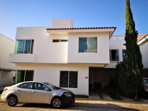 Casa En Renta Amueblada En Privilegiada Ubicación En Residencial Verandas En León, Gto.