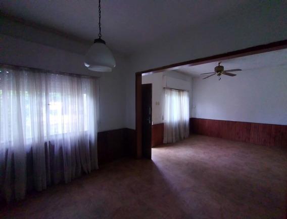 Casa Amplia, 2 Dorm. Jardín, Fondo, Parrillero...