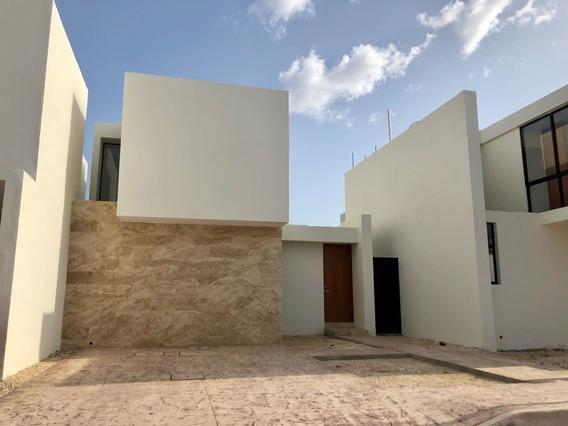 Residencia En Privada 34 Francisco De Montejo. Vive Dentro De La Ciudad.