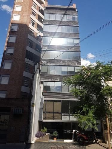 Oficina 30m2, Ayacucho Al 300 Bº Centro, A Metros De Tribunales Y Municipalidad