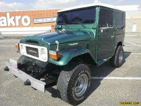 Toyota Fj-40