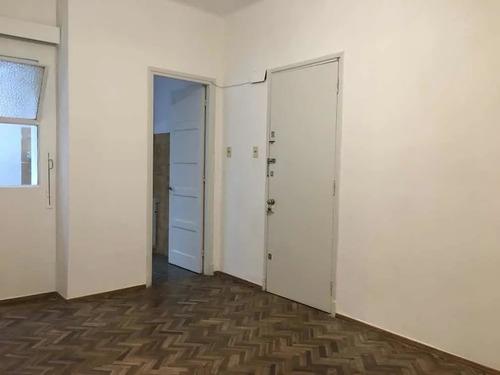 Vendo En Centro Apto Dos Dormitorios Excelente Estado V34