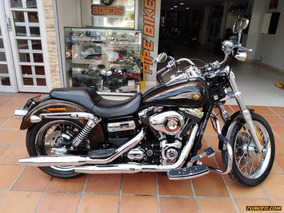 Harley Davidson Dyna Súper Guide Custam