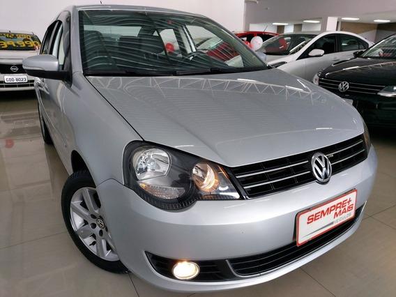 Volkswagen Polo Sedan 1.6 Vht Comfortline Total Flex 4p 2011